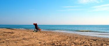beach-2086798_640