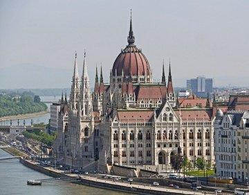 budapest-1309423_640