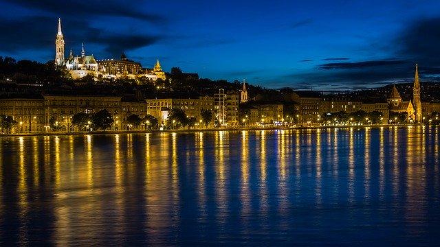 budapest-138976_640