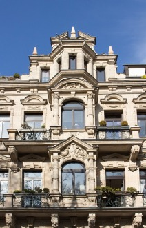 stucco-facade-2899758_640